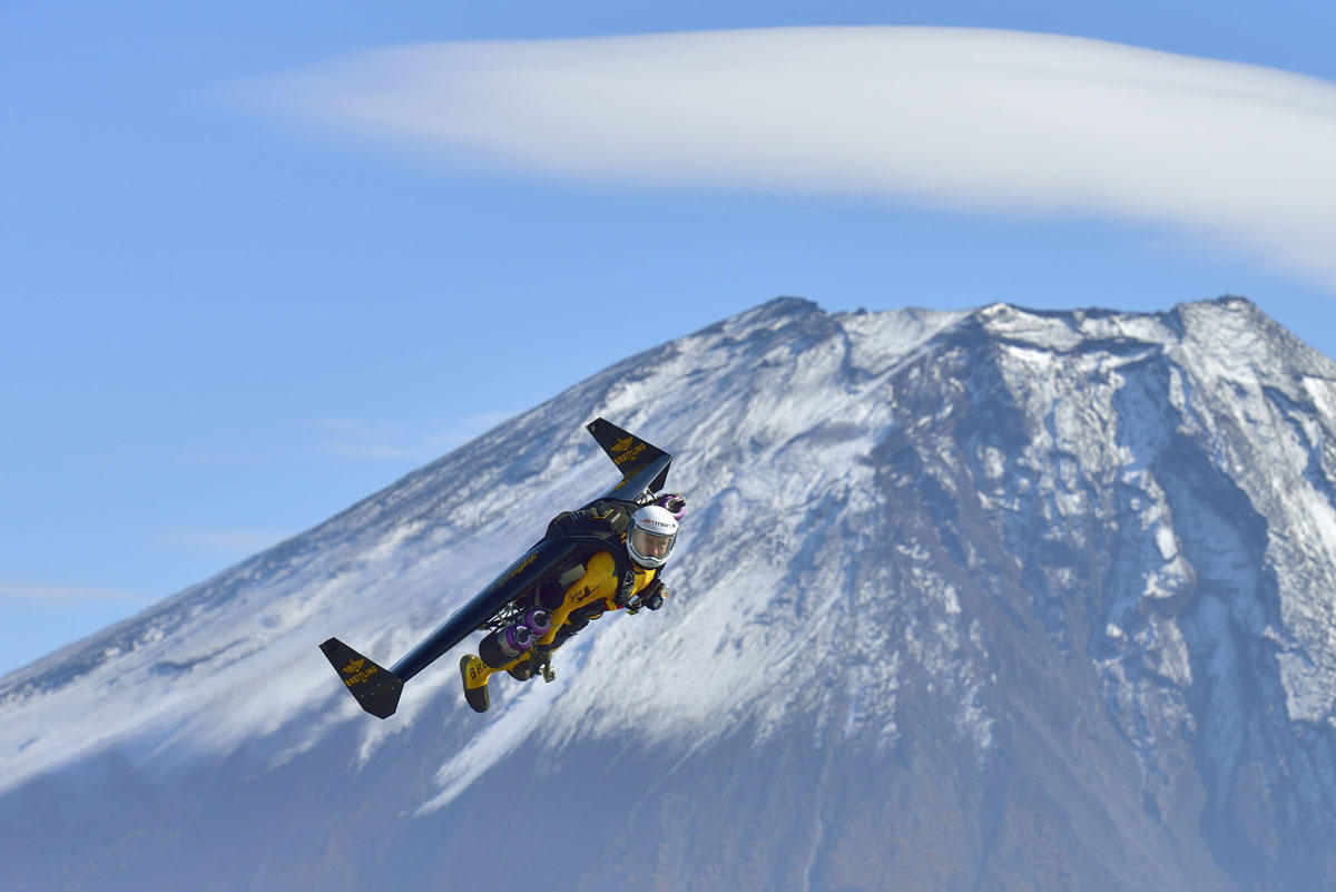 JAPAN-SWITZERLAND-AVIATION-JETMAN