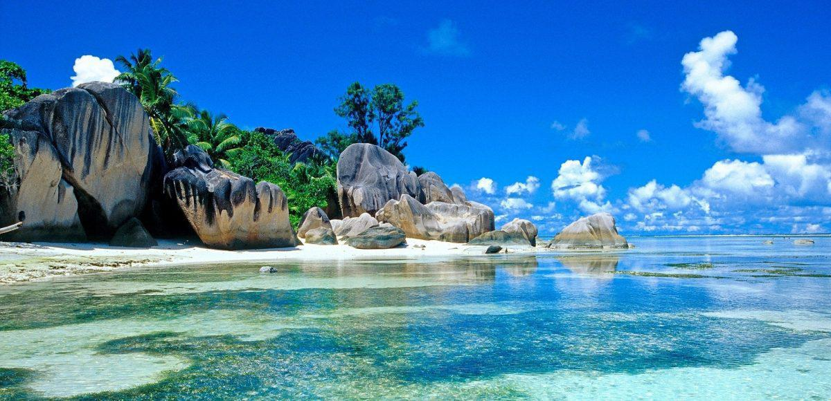 Seychelles-Beautiful-Beach-HD-Wallpapers-1200x580