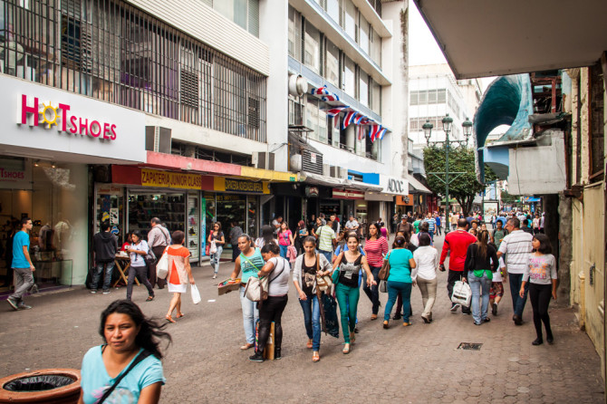 busy-streets-in-san-jose-costa-rica-670x446