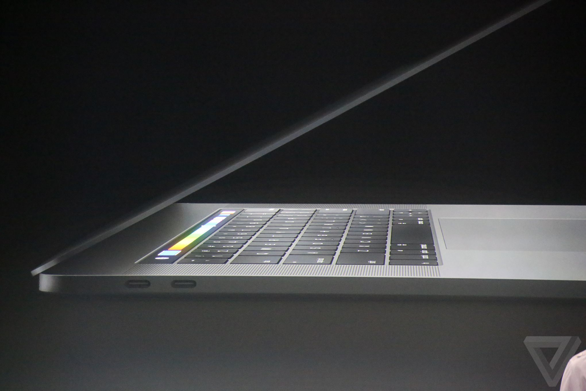 apple-macbook-event-20161027-8865