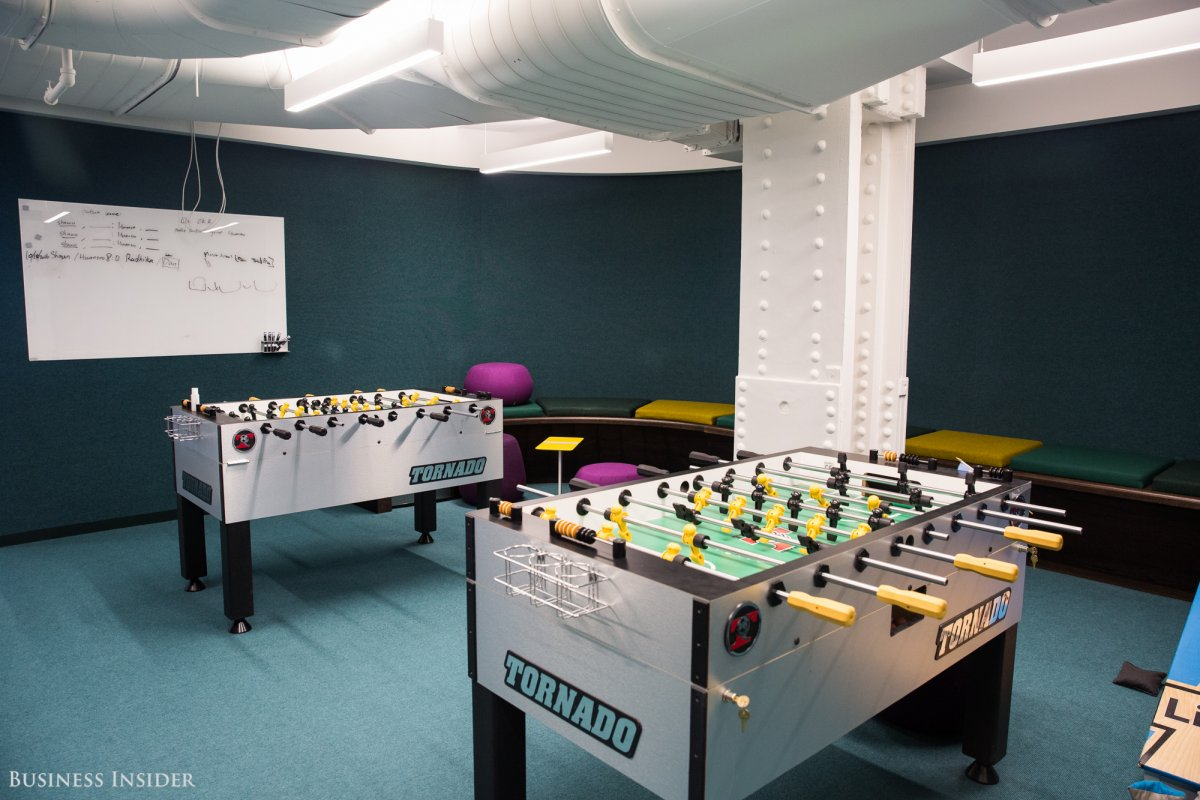 throughout-the-day-linkedin-workers-can-socialize-over-pool-foosball-and-even-karaoke