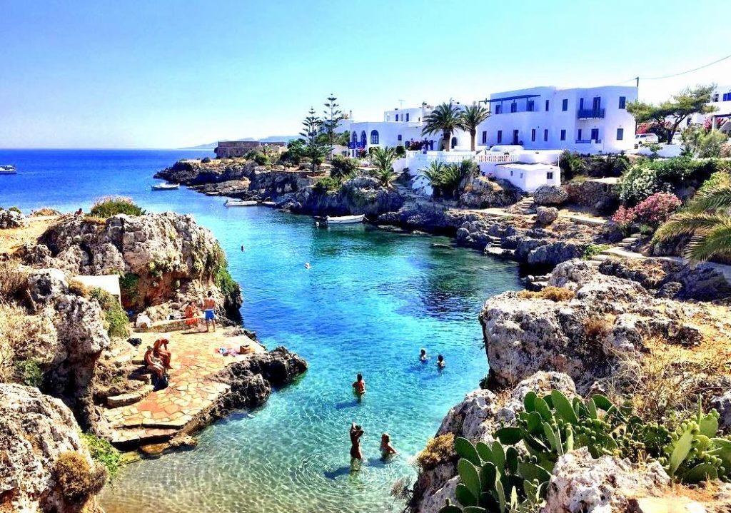 Το ελληνικό νησί- έκπληξη που αναμένεται να καταγράψει αύξηση 340% στον τουρισμό του το φετινό καλοκαίρι | It's Possible